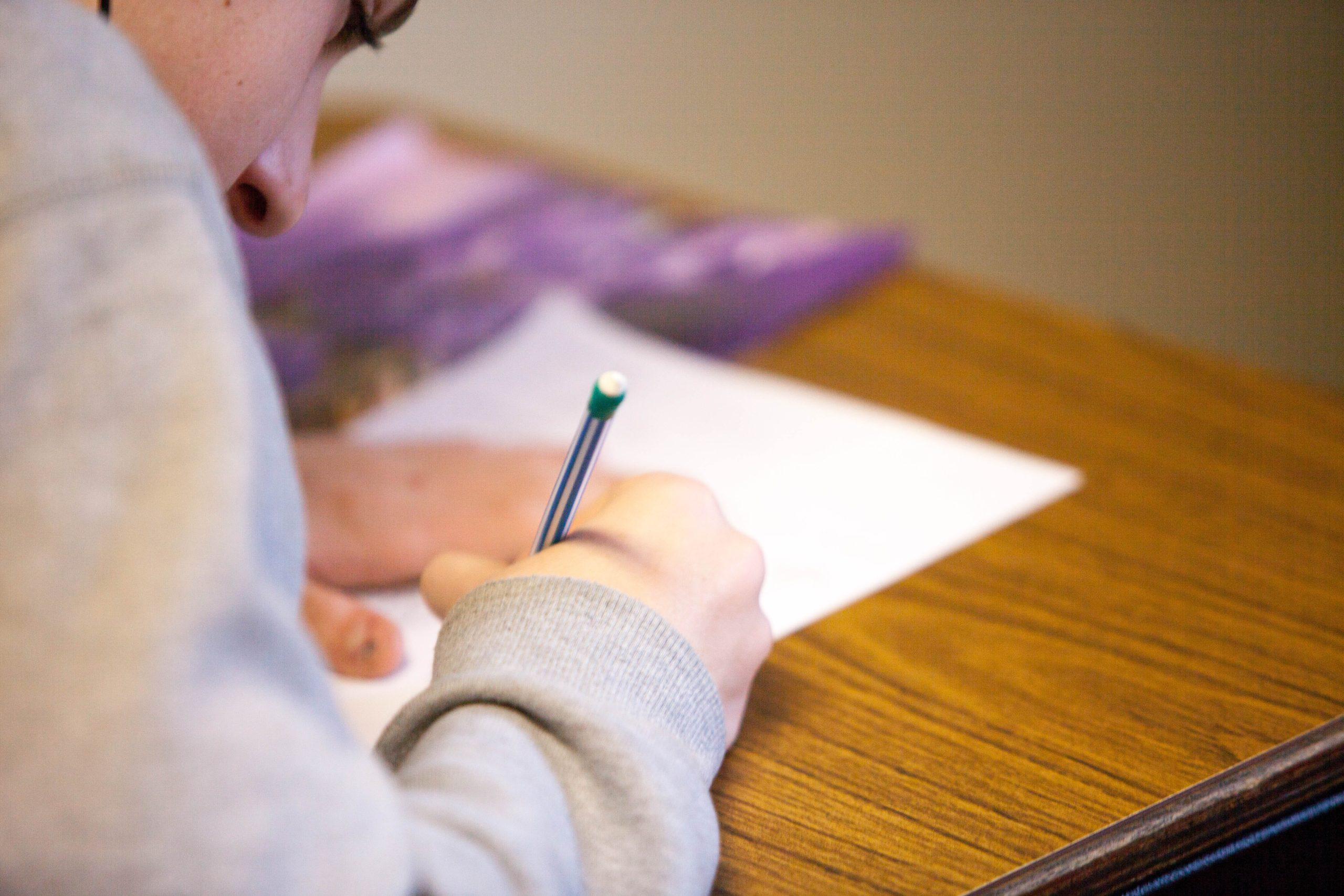 Estudios hijo adolescente
